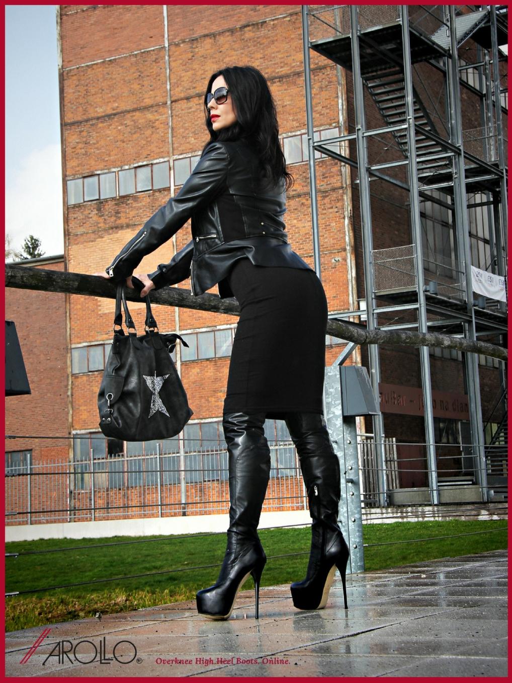 Gina Queen of Heels presenting AROLLO Overknee Boots